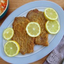 Breaded escalopes on a platter