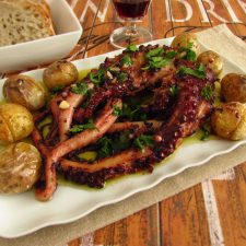 "Octopus ""à lagareiro"" on a platter"