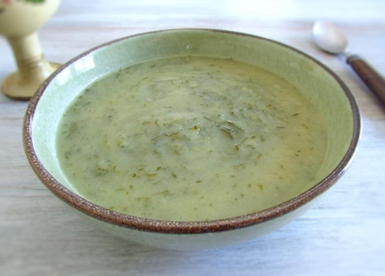 Portuguese green soup on a soup bowl