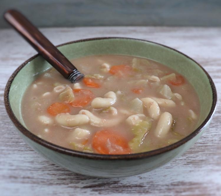 Red bean soup on a soup bowl
