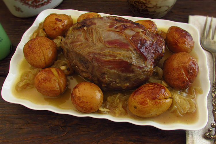 Roast veal on a platter