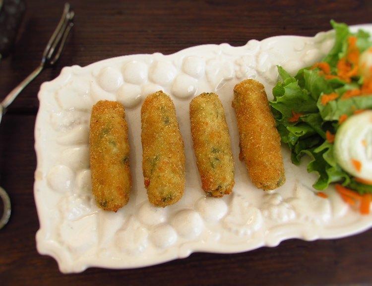 Shrimp croquettes on a platter
