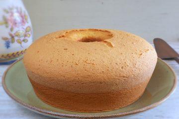 Sponge cake on a plate