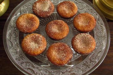 Sand cookies with cinnamon on a plate