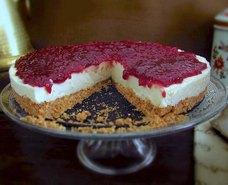 Cheesecake de framboesa num prato