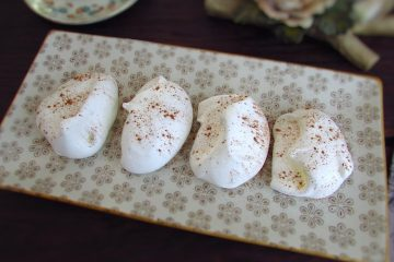 Meringues on a rectangular plate