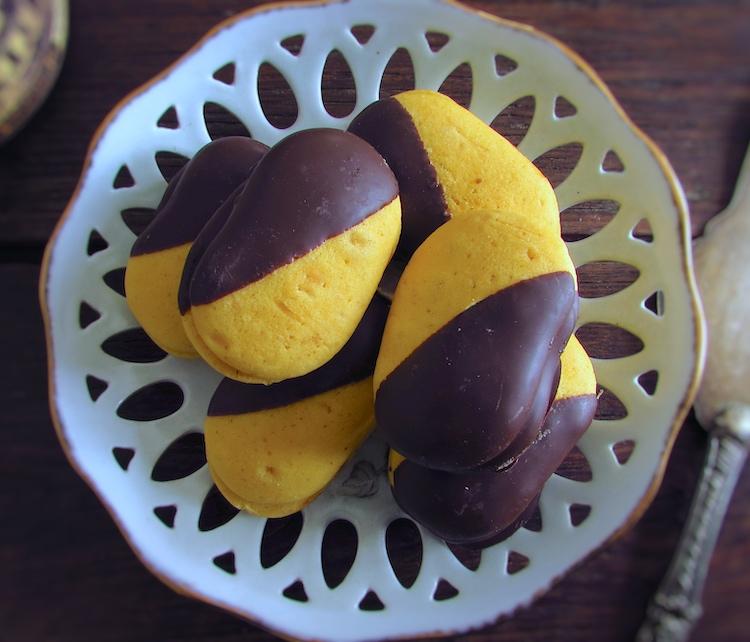 Biscoitos Húngaros num prato