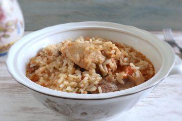 Rabbit rice on a tureen