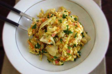 Bacalhau com delícias do mar num prato