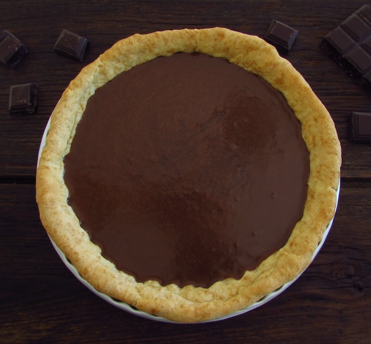 Pie filled with chocolate cream