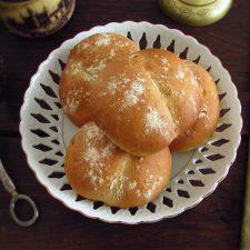Garlic bread on a plate