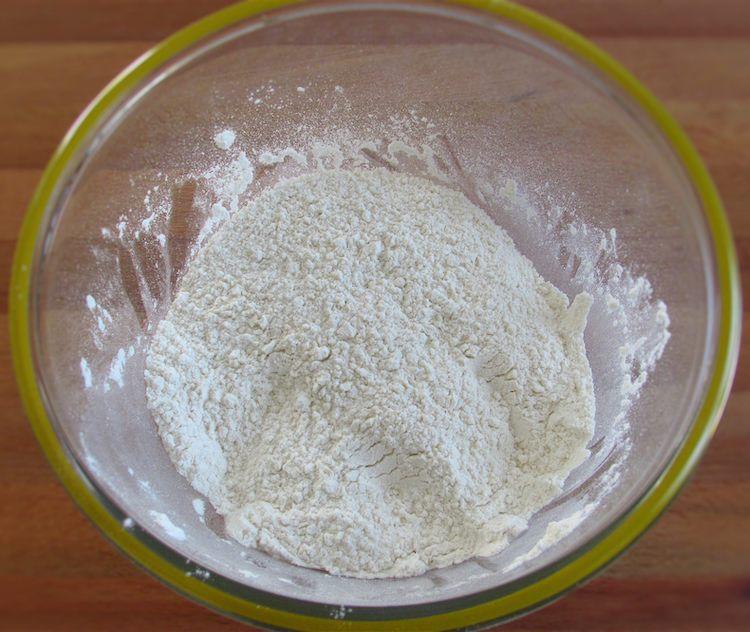 Flour mixed with salt on a glass bowl