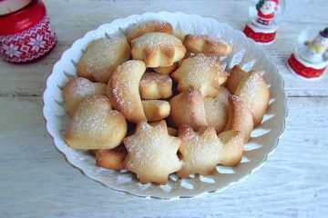 Biscoitos de Natal numa tigela