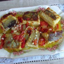Simple cod in the oven served on a platter