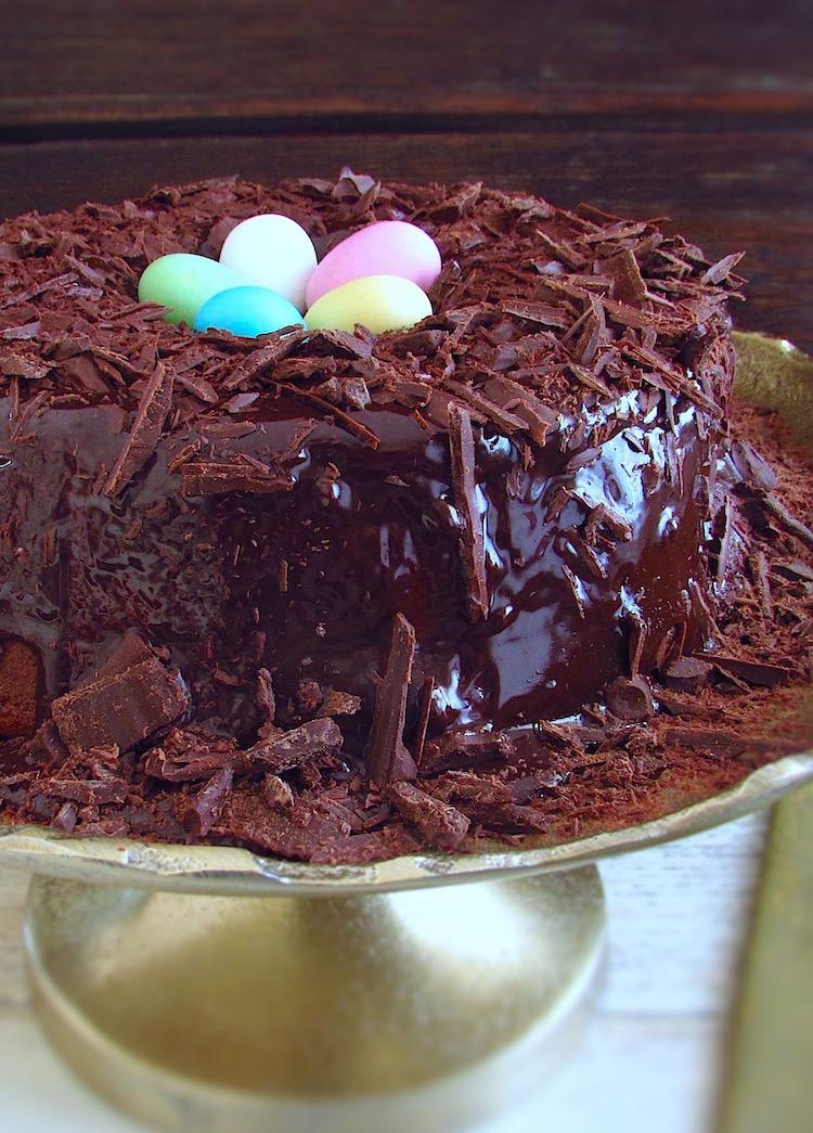 Ninho da Páscoa num prato