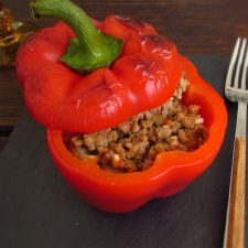 Stuffed pepper with minced meat in the oven