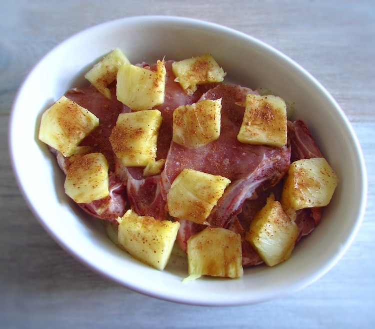 Chops in the oven with pineapple | Food From Portugal