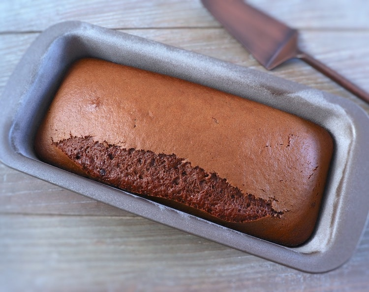 Homemade cinnamon and milk cake on a loaf tin