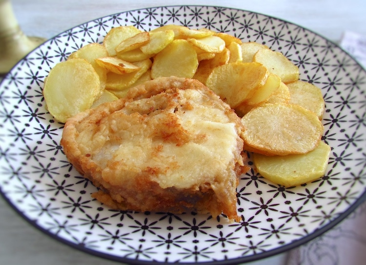 Peixe com batatas fritas | Food From Portugal