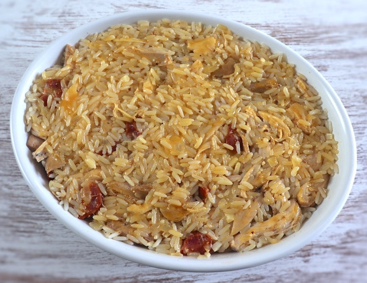 Chicken and chouriço rice on a baking dish