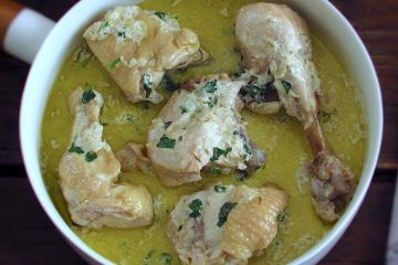 Chicken with cream on a dish bowl