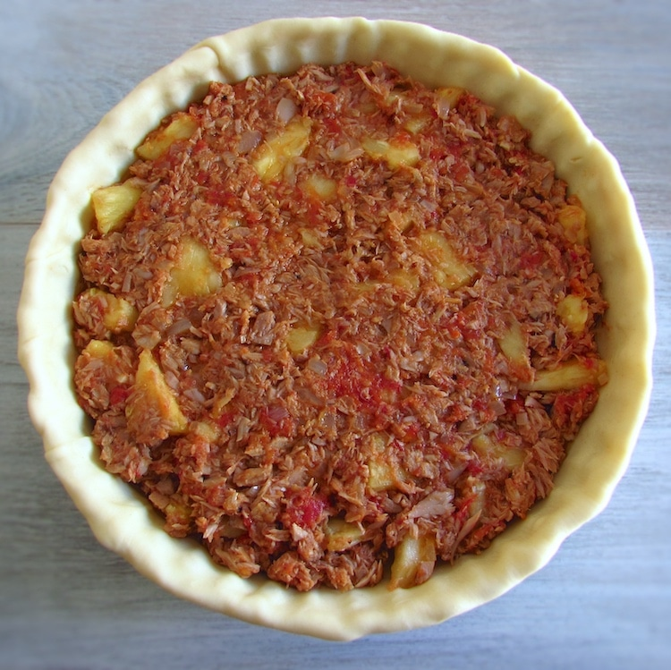 Pie filled with tuna mixture
