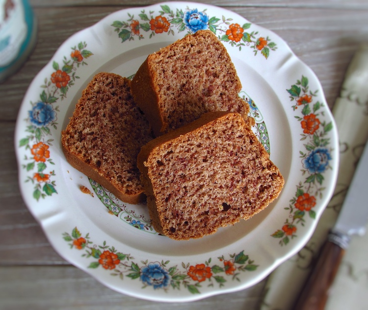 Olive oil and cinnamon cake slices on a plate