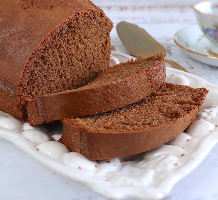 Brown sugar, olive oil and cinnamon cake on a rectangular platter