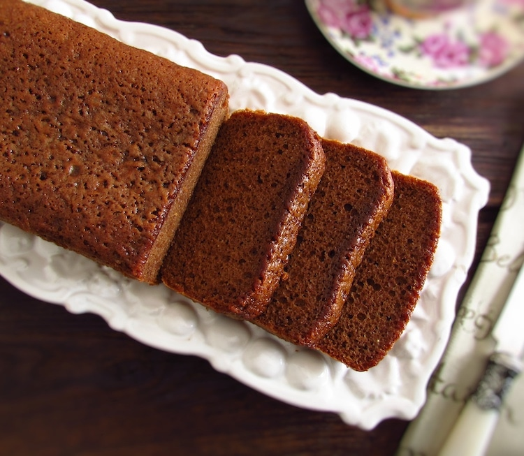 Slices of brown sugar, olive oil and cinnamon cake on a platter