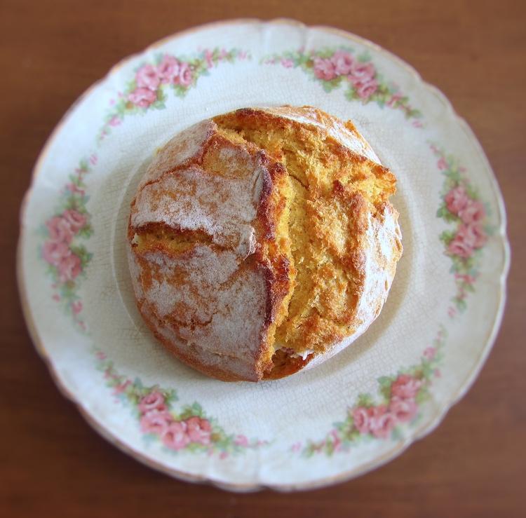 Stuffed Portuguese cornbread