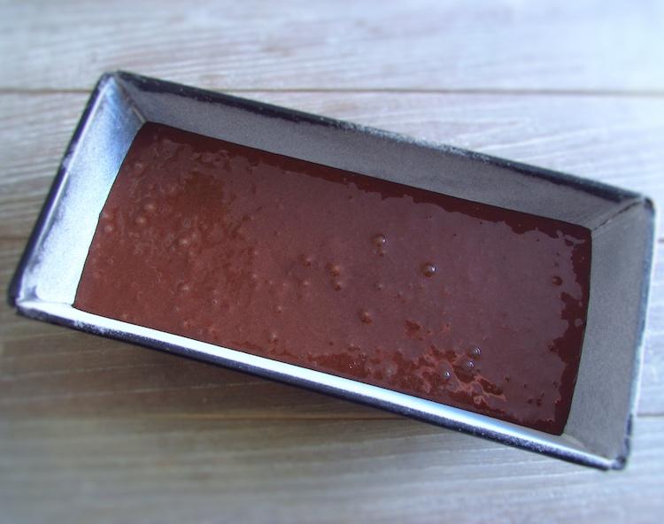 Bolo de chocolate com doce de mirtilo | Food From Portugal