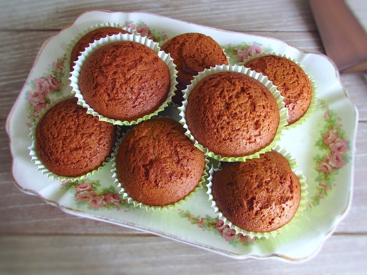 Honey and cinnamon muffins | Food From Portugal