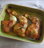 Coxas de frango simples no forno