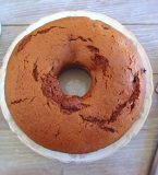 Brown sugar cake with soft fruit