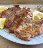Grilled chops with lemon and rosemary