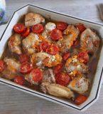 Frango no forno com tomate cherry e cenoura